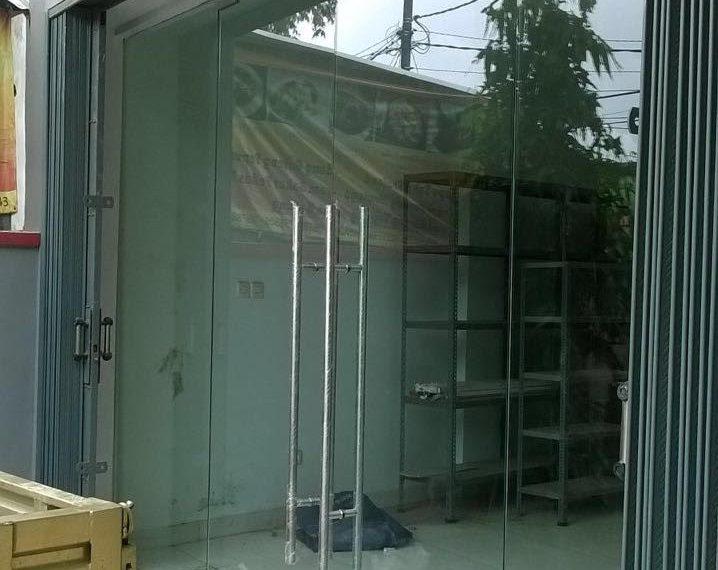pintu kaca temperd