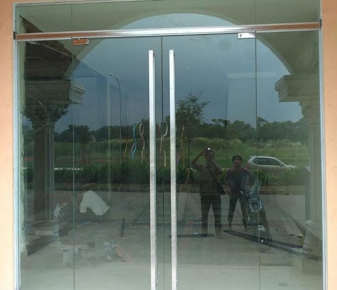 pintu kaca tempered 3